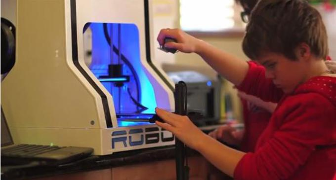 Article_father-uses-3d-printing-to-teach-his-adopted-daughter-math-3